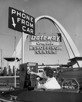 Drive-up pay phone service 1959